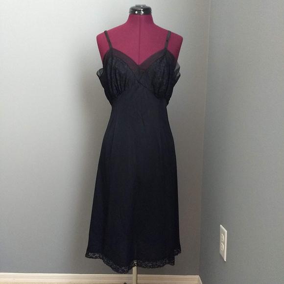 Vintage Other - Vintage 60's Van Raalte Black Mesh & Lace Slip